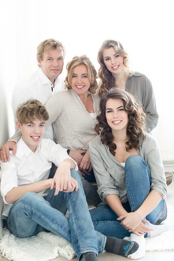 Familieportret en gezinsfoto fotoshoot bij fotostudio Katinka Tromp Rotterdam