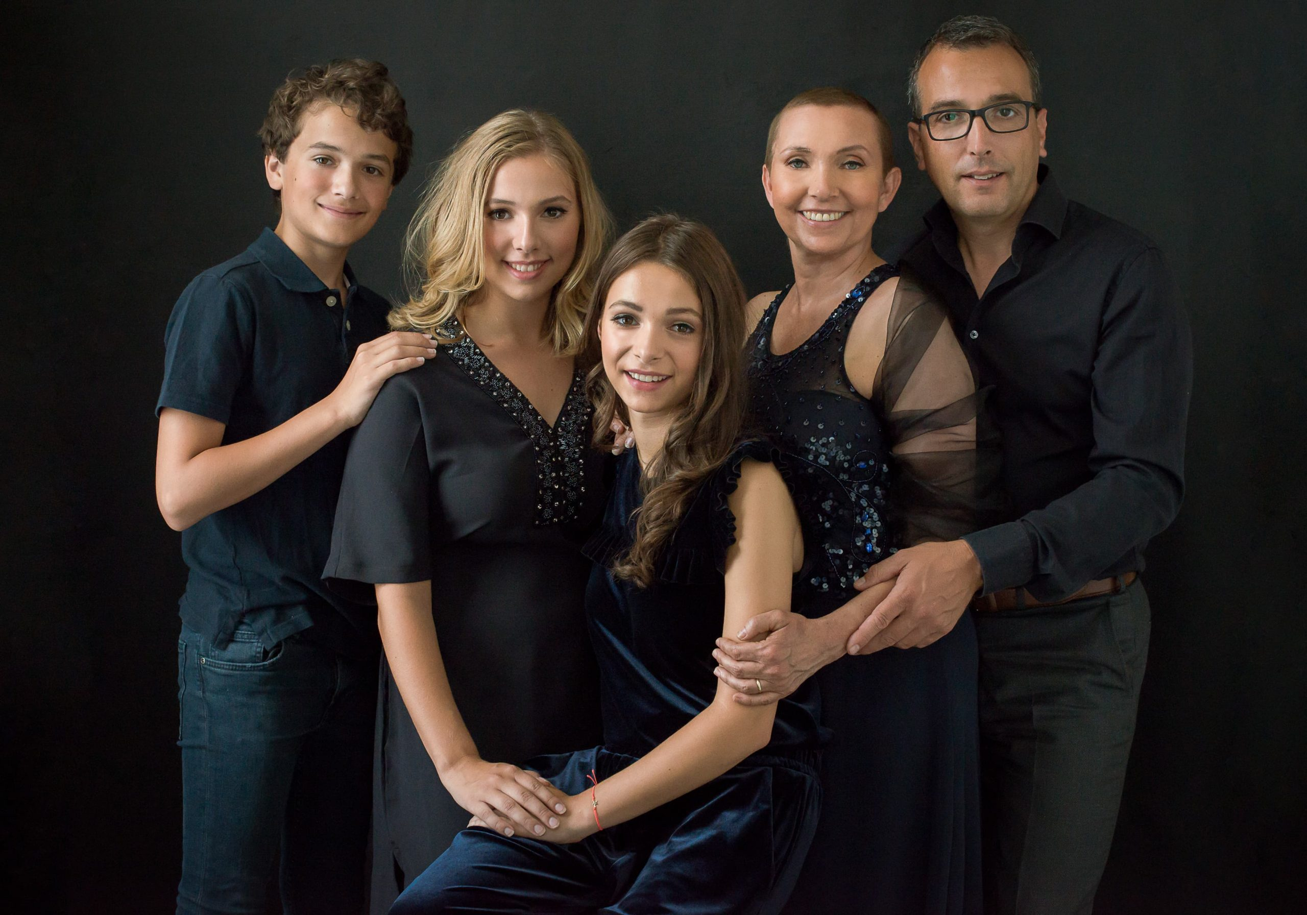 Family Portraits all black black on black familie fotoshoot